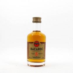 Miniatura ron Bacardi 8 años