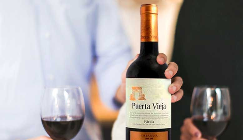 Descubre nuestra variedad de vinos: blancos, tintos, dulces, sidras...